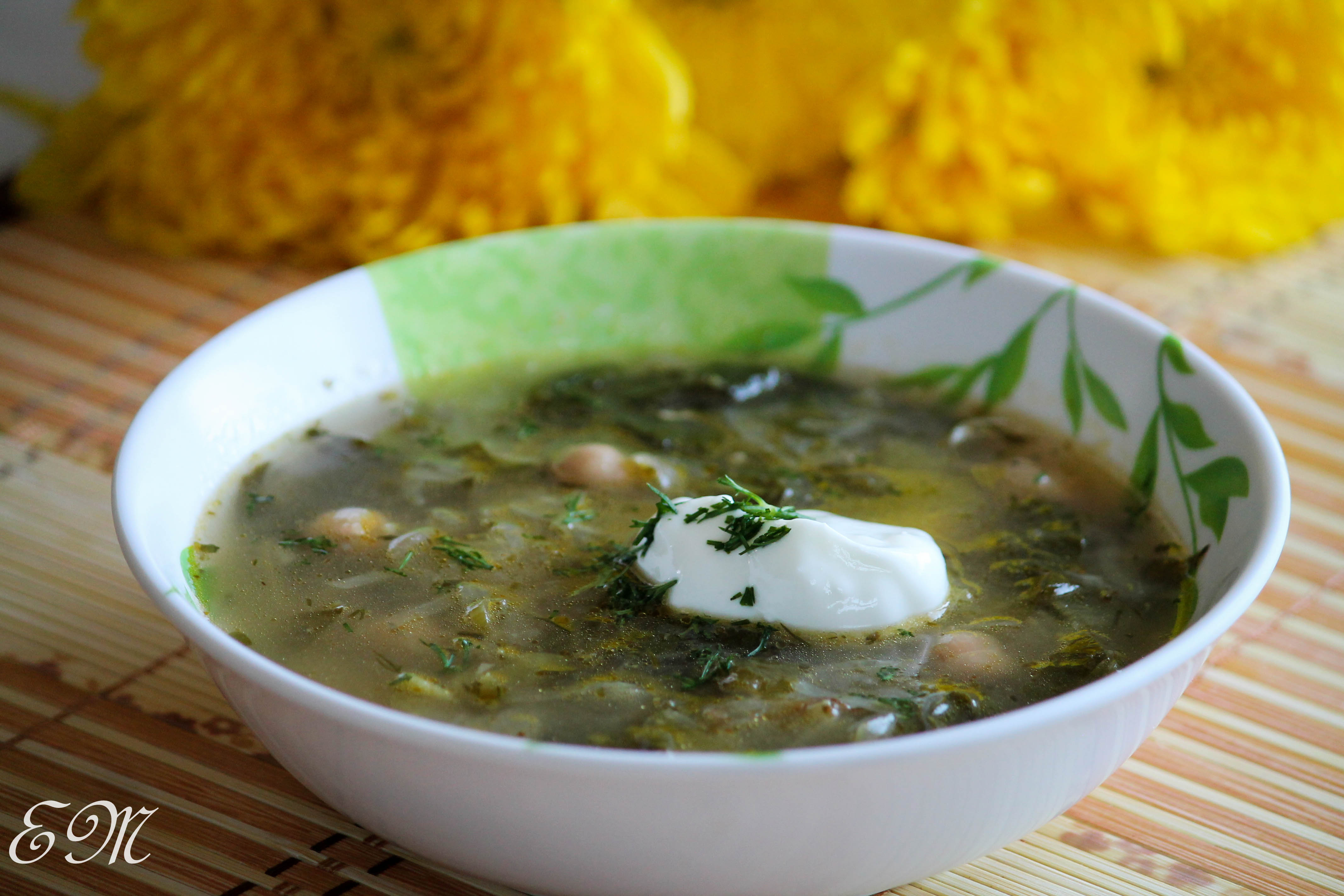 How to cook green borsch with sorrel